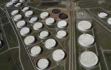 Цена на нефть может упасть до 10 долларов за баррель, так как мировой рынок переполнен нефтью, — The Guardian