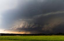 На Киев идет мощный шторм, погода резко испортится сразу в нескольких областях - синоптики