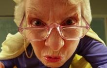"""Харьковская учительница """"травила"""" школьницу из-за обычного торта - женщину сняли с поста классного руководителя"""