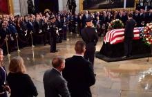 Важное сообщение для Путина с того света: почему Маккейн пригласил на похороны Порошенко наравне с Обамой и Бушем