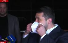 """Зеленский после встречи со """"слугами народа"""" вышел с маской к СМИ: главное с брифинга"""