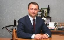 Мэр Покровска, согласно декларации, живет под открытым небом на батуте с тремя детьми