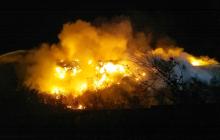 В Житомире вторые сутки горит городская мусорная свалка: спасатели столкнулись с проблемами