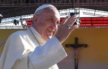 Папа римский Франциск отслужил мессу на полупустом стадионе в Тбилиси, куда пришли лишь около трех тысяч жителей Грузии