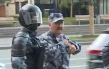 """Командир """"Беркута"""" Кусюк переключился с Майдана на Москву и теперь """"метелит"""" россиян - кадры"""