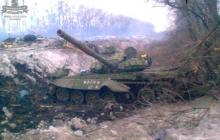 ВСУ разгромили крупную колонну российской бронетехники под Дибровкой - на видео крупные взрывы, у россиян большие потери