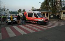 Источник: в Киево-Печерскую Лавру заехали 9 скорых, оказалось – вывозят больных, кадры