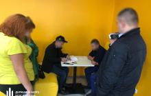 На Киевщине копы-садисты едва не отправили мужчину на тот свет - видео