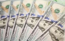 """Нацбанк """"влил"""" больше 1 миллиарда долларов для удержания курса гривны"""