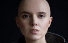 """""""Я плачу"""", - Янина Соколова, поборовшая рак, сражена поступком ветерана АТО Рыжова - сильные кадры"""