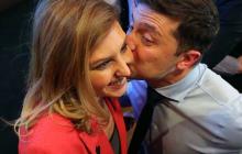 """Зеленский покорил соцсети трогательным фото супруги Елены: """"Моя первая леди в красном!"""""""