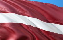 Латвия наносит удар по финансовому мосту России