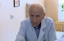 Найден самый опытный доктор Украины: в одесской поликлинике трудится врач, которому исполнилось 100 лет, - кадры