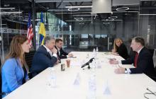 Порошенко сразу после нападения у ГБР отправился на встречу с Волкером - громкие подробности