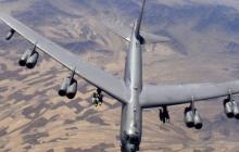 """ВВС США тренируются """"бомбить"""" военную базу России в Калининграде - кадры"""