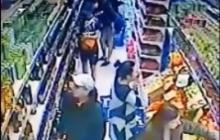 """Разбойное ограбление в Днепропетровске: фанаты """"Металлиста"""" устроили дебош в супермаркете"""