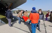 """""""Минно-взрывные травмы, ранения глаз"""": в Одессу спецбортом с Донбасса доставили тяжелораненых защитников Украины"""