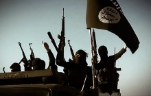 Кровавые казни ИГИЛ: террористы расстреляли и обезглавили более 300 бывших иракских полицейских вблизи Мосула