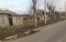 """Житель Донецка в Сети разоблачил вранье боевиков: """"Взгляните на ру**оремонт в поселке. Хотя бы один восстановленный дом вы видите?"""" - кадры"""