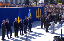 """""""Нам не нужна церковь, которая молится за российскую власть и за российское войско"""", - Порошенко"""