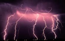 Бунт погоды на Донбассе: молния убила мать и дочь, отец на грани в реанимации - подробности