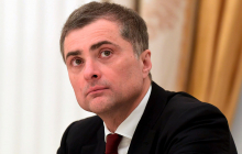 """Почему """"списали в утиль"""" Суркова: выяснились резонансные подробности отставки куратора """"Л/ДНР"""""""
