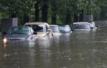 Потоп в Черкассах: мощный ливень с градом за 40 минут превратили город в Венецию, видео