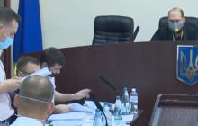 """Скандал в суде над Порошенко: депутаты от """"ЕС"""" кричат """"Ганьба!"""" в адрес стороны обвинения"""