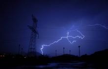 """""""Бунт природы"""" на Луганщине - из-за сильной грозы без электричества остались тысячи домов, люди в панике"""