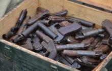 В Донецкой области поймали замаскированного поставщика оружия и боеприпасов