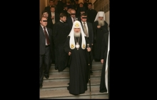 Фото охраны патриарха Кирилла в Минске разозлило Сеть: странная деталь спровоцировала громкий скандал