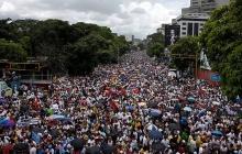 Друг Путина Мадуро готов пуститься в бега, как Янукович, - вся Венесуэла восстала против диктатора - кадры