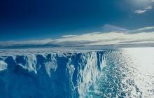 """В мире идет """"холодная"""" война за тающую Арктику"""