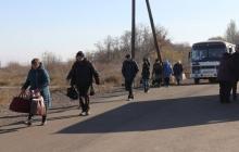 """Генерал Наев спас 46 жителей Донбасса, которых боевики """"вытолкали"""" в серую зону"""