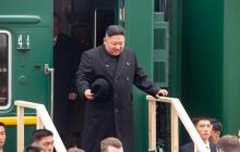 Ким Чен Ын удивил Сеть своим странным внешним видом: соцсети обсуждают конфузы главы КНДР на встрече с Путиным