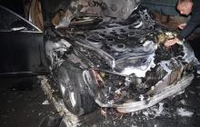 В Ровно сожгли автомобиль депутата-свободовца - кадры