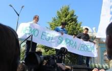 Под Верховной Радой собрались люди, требующие снятия неприкосновенности с 6 депутатов: опубликованы фото