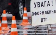 Очередное ДТП с маршруткой: в Киеве на Оболони общественный транспорт столкнулся с внедорожником - кадры