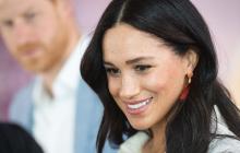 В Сеть попали пикантные фото Меган Маркл в костюме Санты: в королевском дворце грядет скандал