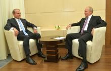"""Голобуцкий о предложении Путина дать вакцину Украине: """"Вновь берет Зеленского на вилку"""""""