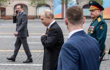 """Новое фото Путина на параде в День победы лишило россиян дара речи: """"Скоро уже, скоро"""""""