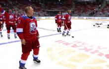 Источник: У Путина серьезная травма из-за падения на хоккее - грядут увольнения