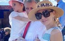 """Супруга Пескова Навка высказалась о параде в Москве: """"Мне, как уроженке Украины, неприятно…"""""""