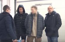 """В Одессе двух бойцов """"Айдара"""" арестовали за разбойное нападение на своего армейского товарища - кадры"""