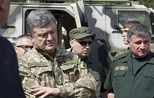 СМИ: Президент Порошенко требует отставки Авакова с поста министра МВД
