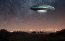 Сияющий НЛО: жители Пекина заметили аномальный объект в вечернем небе - видео