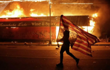 Беспорядки в США: Пентагон угрожает вывести на улицы армию, объявлен комендантский час - протестующие осаждают Белый дом