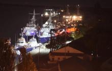 В Керчи в месте стоянки украинских боевых кораблей подозрительное движение - видео
