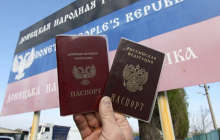 """Что скрывает Кремль о раздаче паспортов на Донбассе - сепаратисты откровенно рассказали о """"ско***ве"""" оккупанта"""