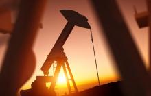 Цены на нефть падают сразу после долгого роста: выяснились причины